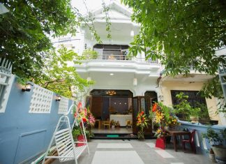 shark hostel huế